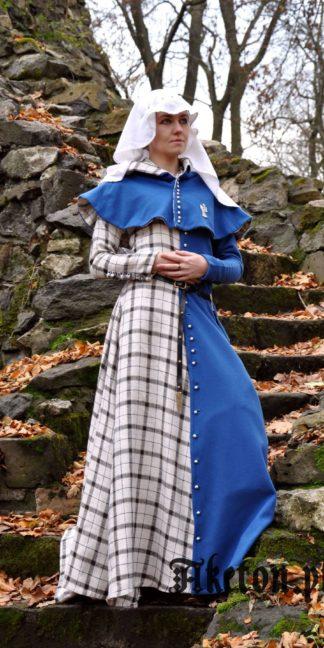 suknia apinan na guziki