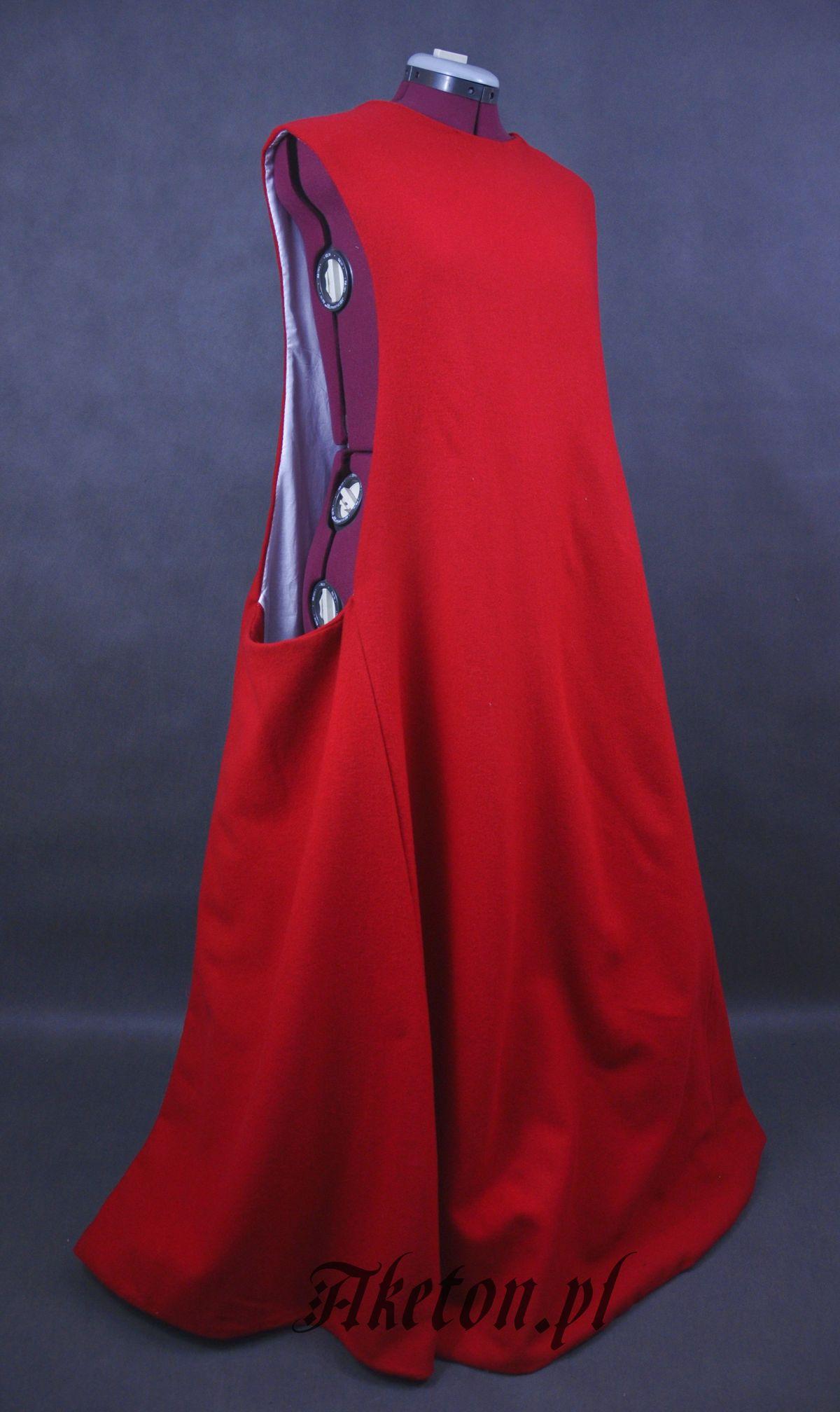db37032d1b Surcot model 2. 450.00zł. Suknia wełniana podszyta lnianą ...